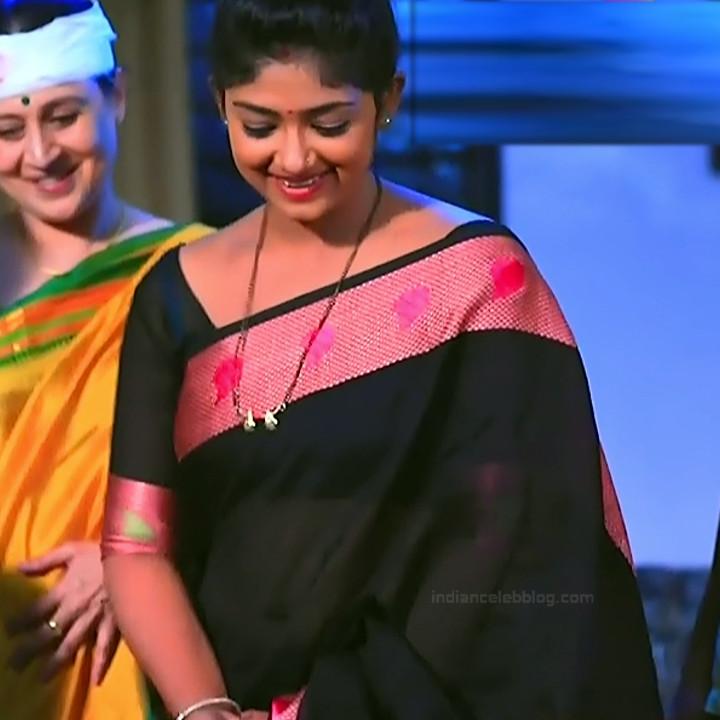 Bhoomi shetty kannada serial actress KinNS2 24 Hot saree photo