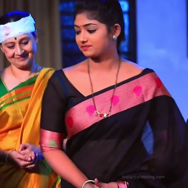 Bhoomi shetty kannada serial actress KinNS2 26 Hot saree photo