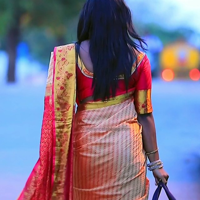 Bhoomi shetty kannada serial actress KinNS2 4 Hot saree photo