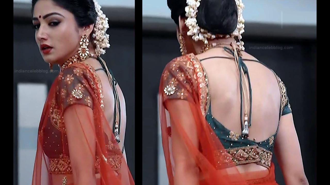 Donal Bisht Hindi Serial Actress EkDTS1 15 Hot Saree Pics