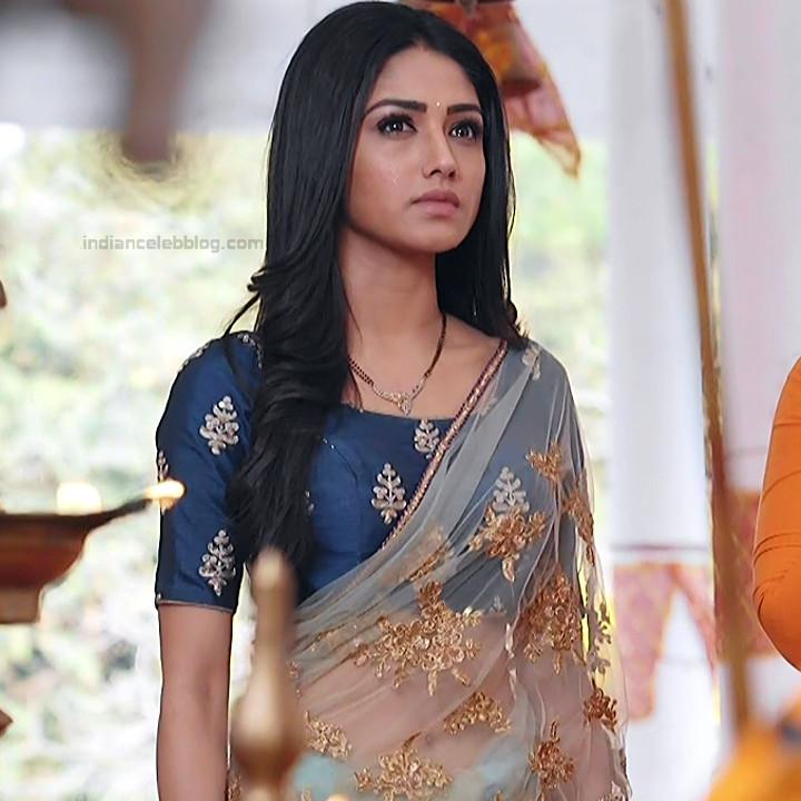 Donal Bisht Hindi Serial Actress EkDTS1 16 Hot Saree Pics
