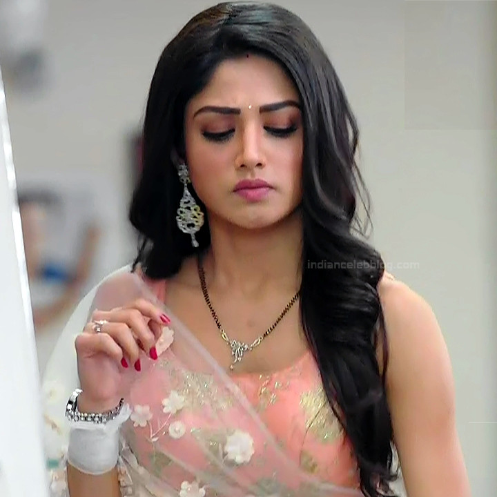 Donal Bisht Hindi Serial Actress EkDTS1 20 Hot Saree Pics