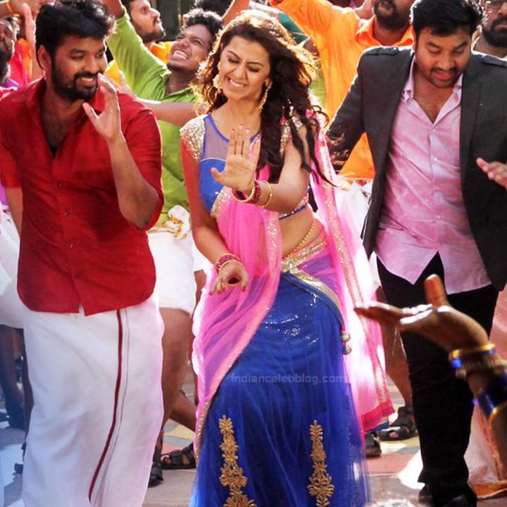 Nikki Galrani Tamil actress kalakalappu movie photos S1 14