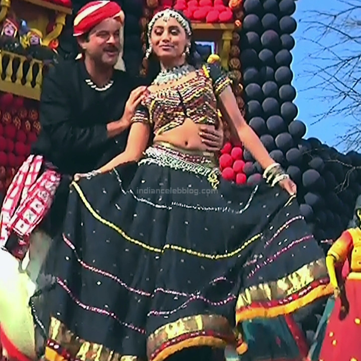 Rani Mukherji Hot movie stills Nayak S2-3 14
