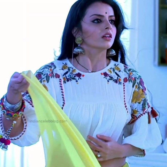 Shrenu Parikh_Hindi TV Actress Ishqbaaz S3_24_Hot Lehenga Pics