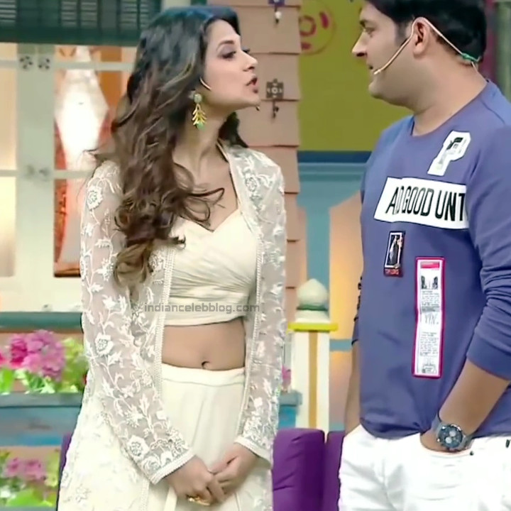 Jennifer Winget Hindi TV Actress YTDS1 11 Hot navel show pics