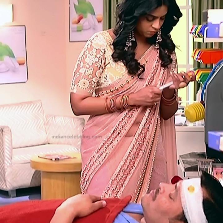Swarda Thigale Hindi serial actress SavitriDCHS2 4 hot sari photos