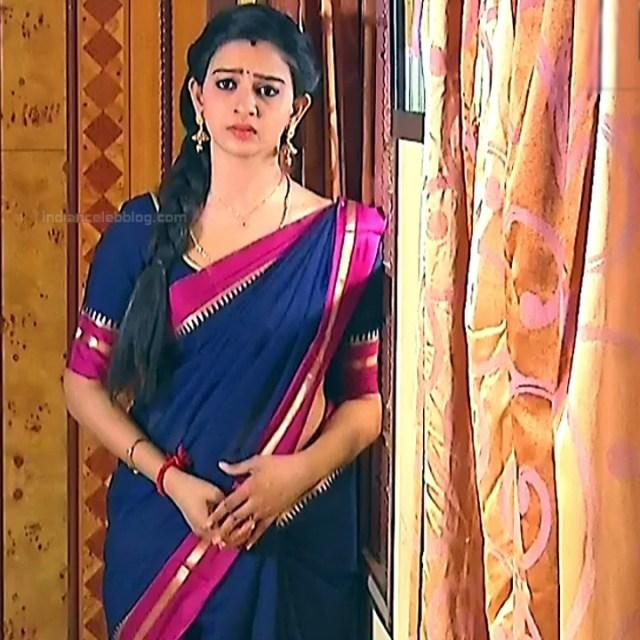 Divya ganesh Tamil serial actress Sumangali S31 hot sari photos