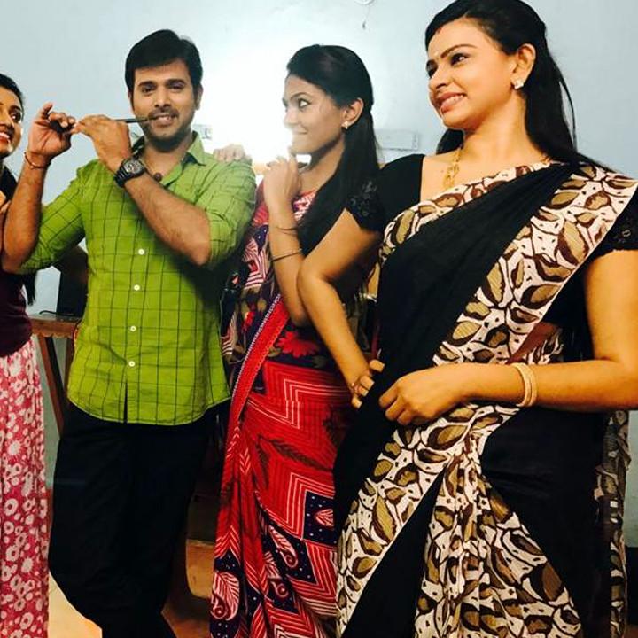 Divya Tamil serial actress Sumangali S316 hot sari photos