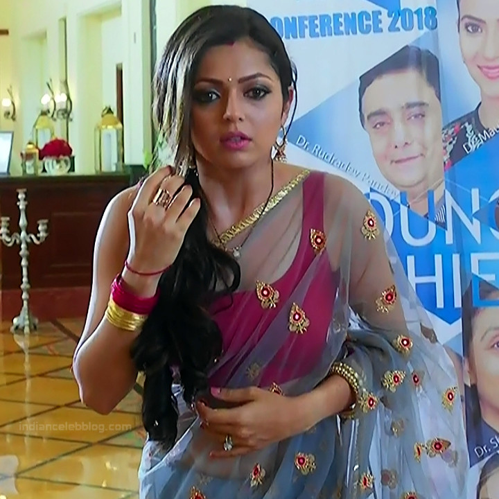 Drashti Dhami Hindi TV actress SilsilaS1 20 hot saree pics