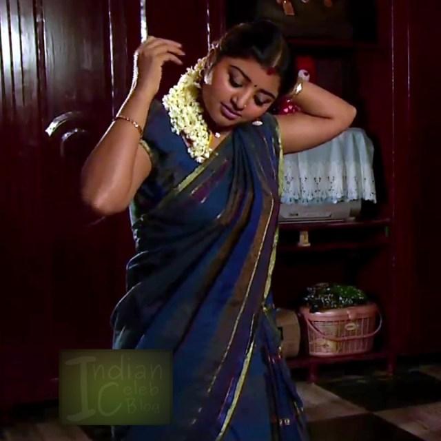 Mahalakshmi Tamil TV actress RVS1 6 hot photos