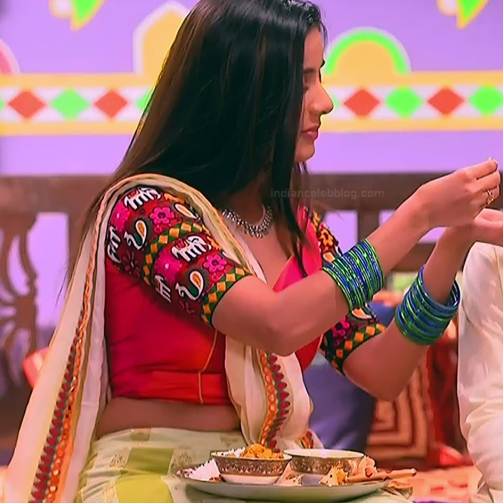 Nikki Sharma Hindi serial actress Roop MKNSS1 14 hot lehenga pics