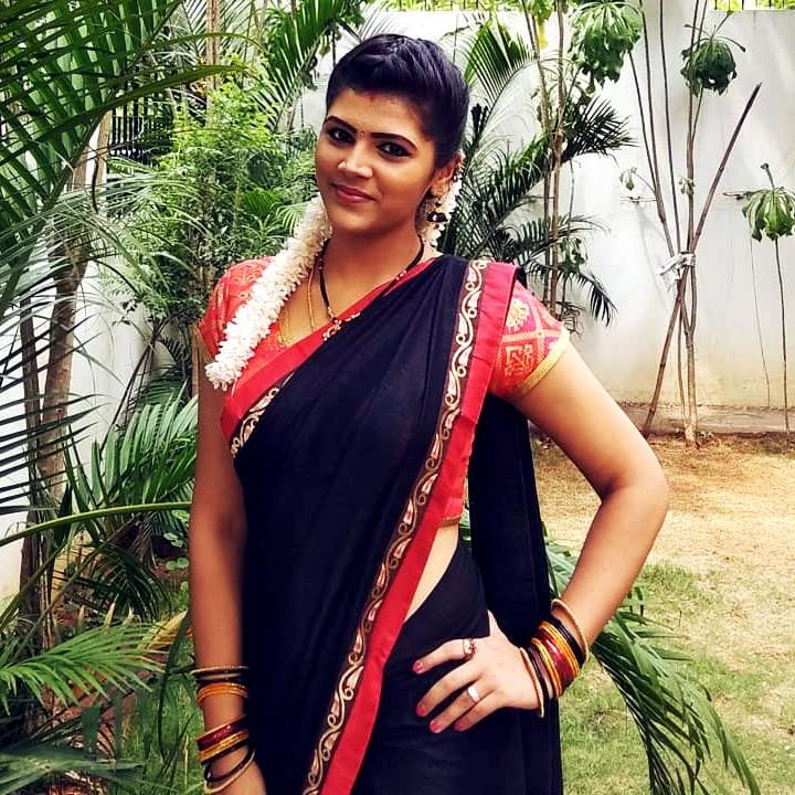 Sangeetha Kamath shravya karthika deepam actress 14 hot saree photo