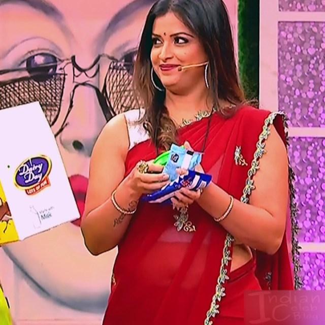 Shwetha Chengappa Kannada TV actress 1 hot saree photo