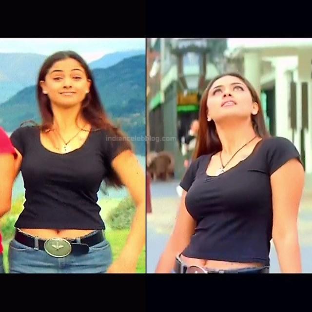Simran Arjun Ezhumalai Tamil movie Stills S1 8 hot photo