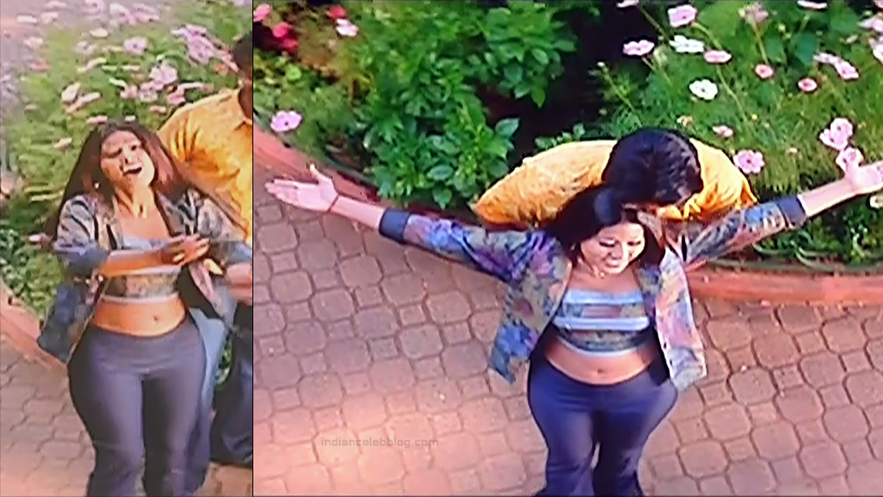 Sneha Tamil film actress S1 1 April maadhathil movie stills