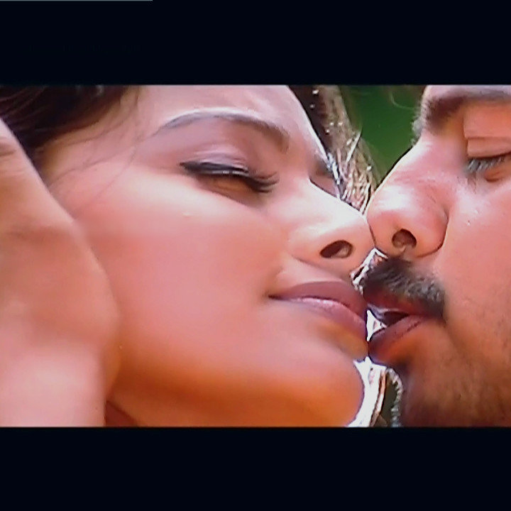 Sneha Sexy Navel Show Hd Song Caps Mix  Indian Celeb Blog-6404