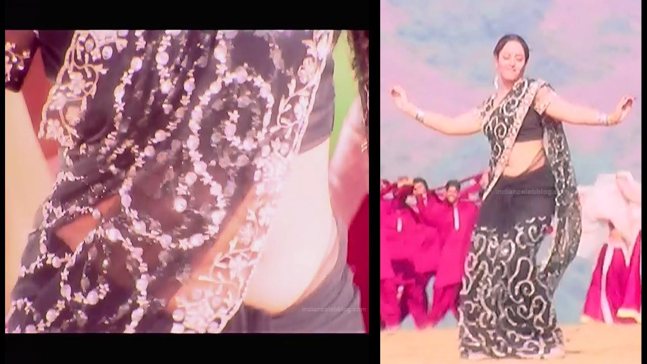 Soundarya Eduruleni Manishi S1 17 hot sari photo