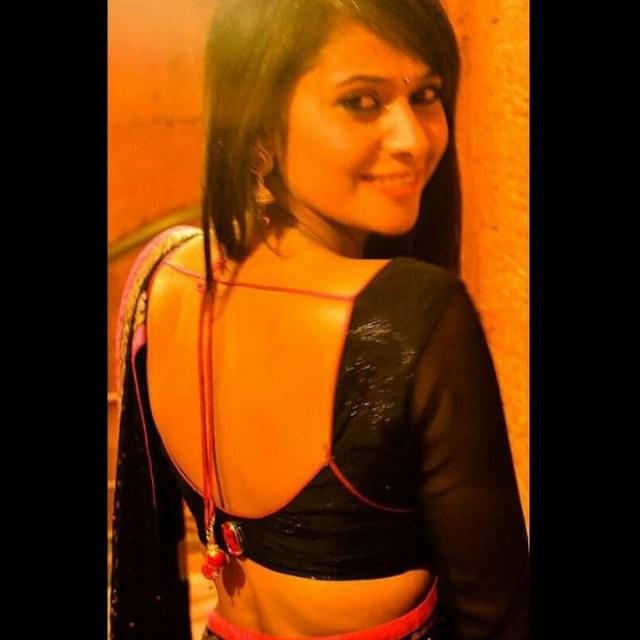 Kavya Gowda Kannada TV actress 16 hot saree photo
