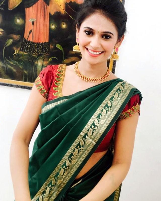Kavya Gowda Kannada TV actress 8 hot saree photo