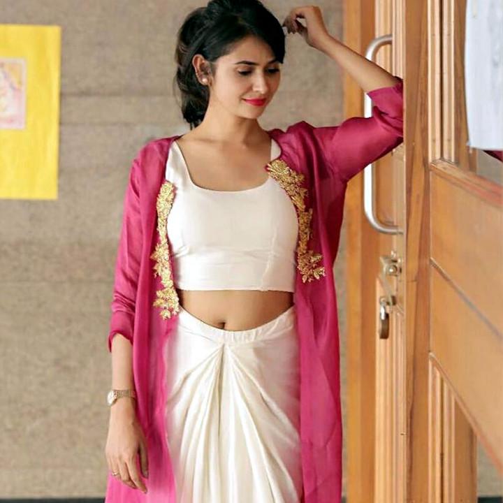 Kavya Gowda kannada tv actress CTS2 15 hot glamour photo