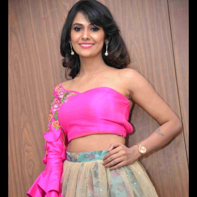 Kavya Gowda kannada tv actress CTS2 16 hot glamour photo