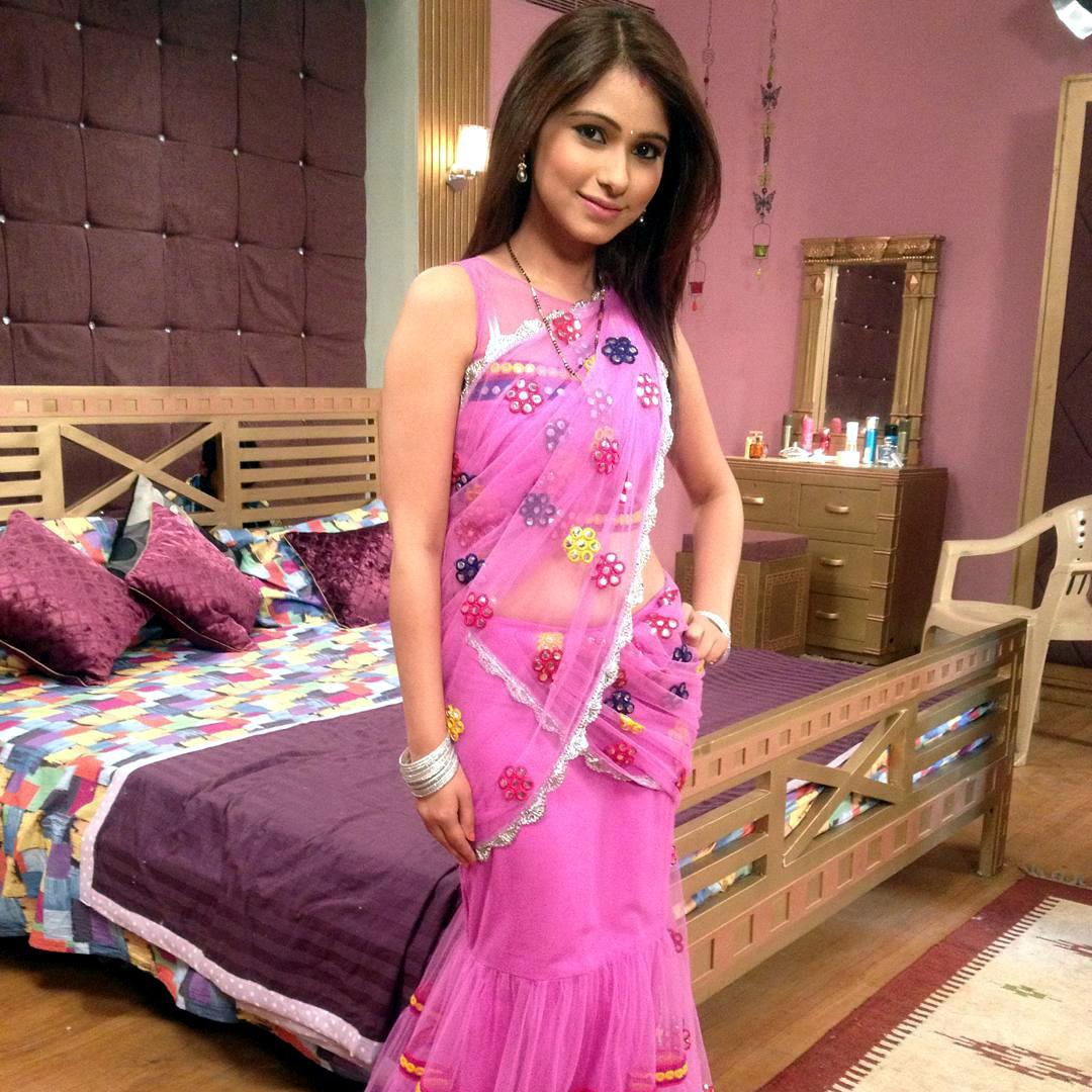 Pallavi gupta hindi tv actress CTS2 6 hot saree photo