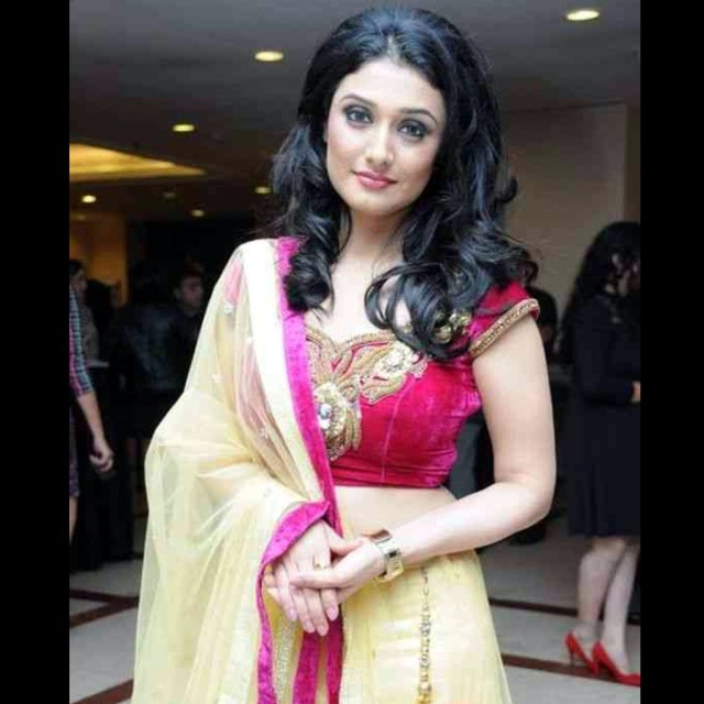 Ragini Khanna hindi tv celeb CTS2 13 hot lehenga rampwalk photo