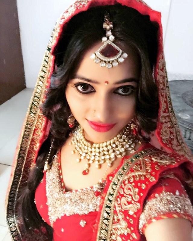 Roshni rastogi hindi tv actress CelebTS1 7 hot saree photo