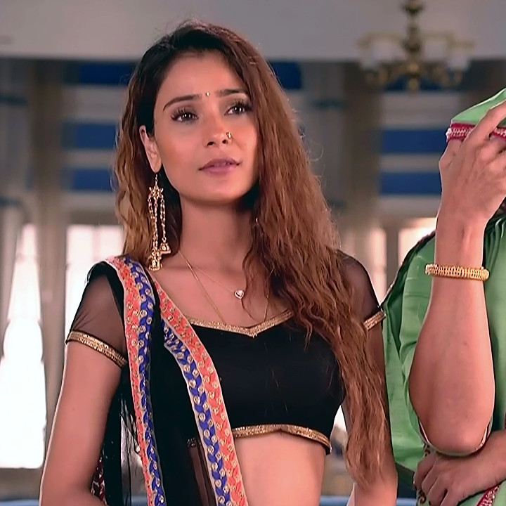 Sara khan hindi serial actress Shakti AS2 12 hot lehenga choli photo