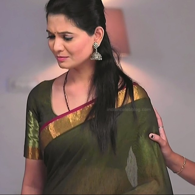 Shwetha R Prasad Kannada TV actress Radha RS1 19 Saree photo
