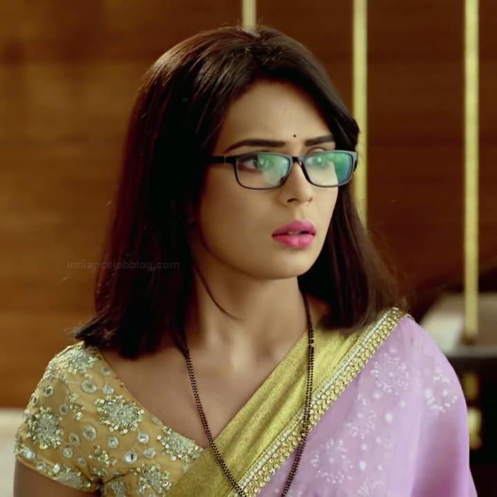 Sonal Vengurlekar hindi tv actress YehVRS8 14 hot saree photo