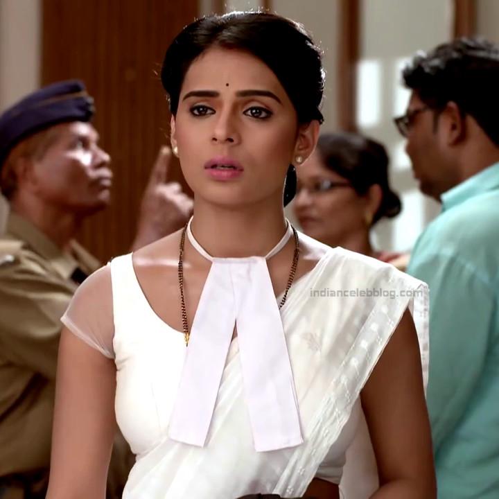 Sonal Vengurlekar TV actress Yeh VRS7 14 hot saree photo