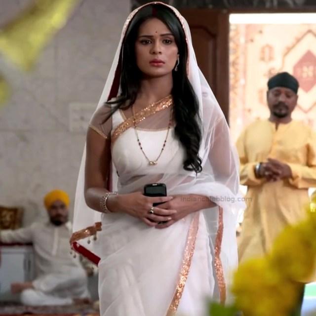 Sonal Vengurlekar TV actress Yeh VRS7 6 hot saree photo