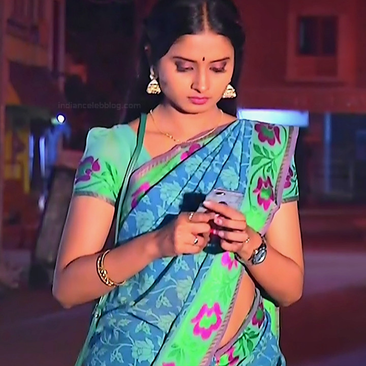 Varshini tamil tv actress sumangali S1 13 hot saree photo