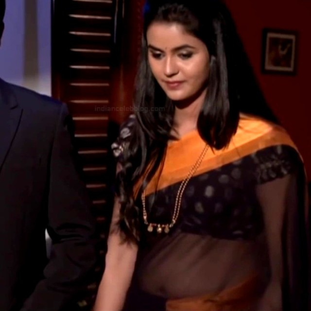 Chaitra reddy Tamil tv actress Yaarudi NMS1 16 hot saree photo