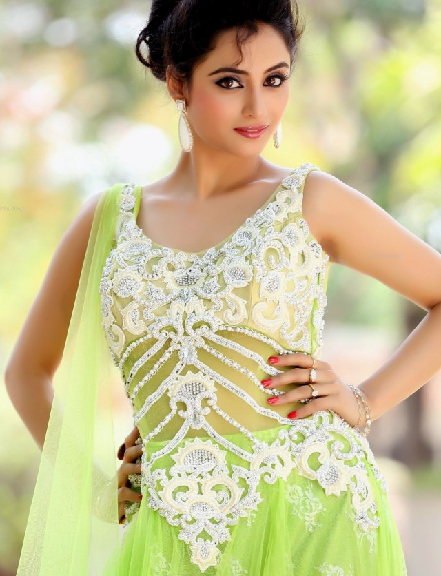 Madirakshi mundle hindi tv actress CTS2 19 hot photo
