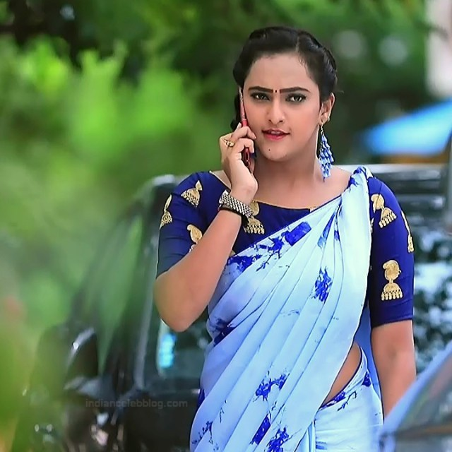 Priyanka Kannada TV actress Agnisakshi S110 hot sari photo