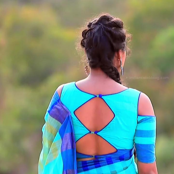 Priyanka Kannada TV actress Agnisakshi S13 hot saree caps