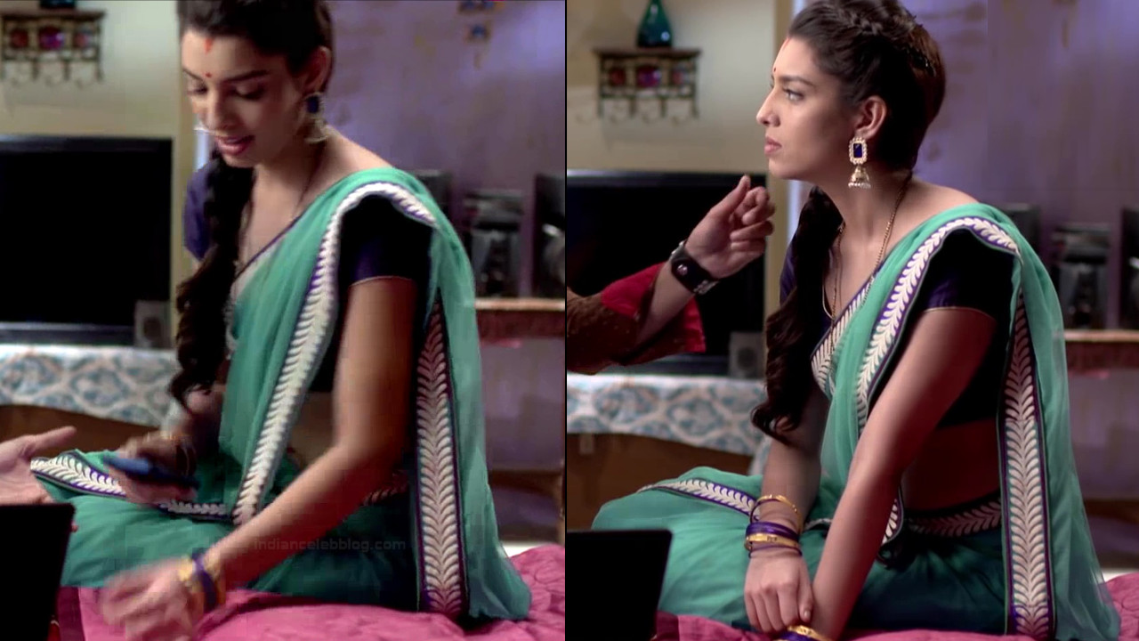 Riya deepsi hindi tv actress begusarai S1 11 saree caps
