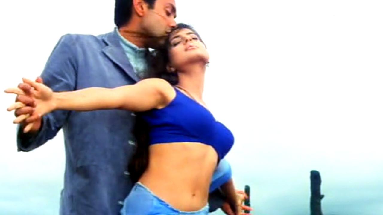 Ameesha patel hot saree romantic song Video