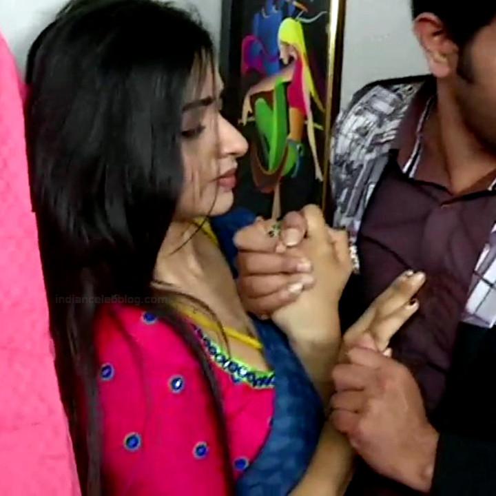 Divya ganesh tamil serial actress sumangali S4 19 hot saree photo