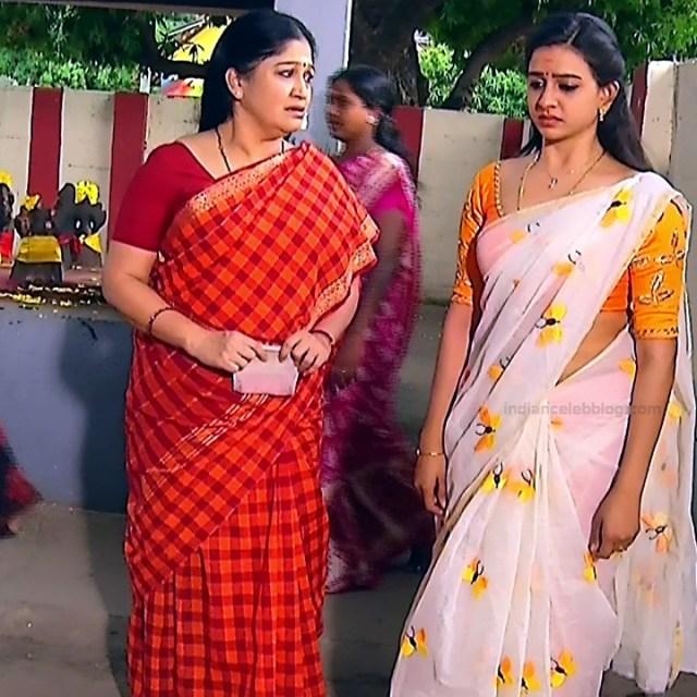 Divya ganesh tamil serial actress sumangali S4 5 saree photo