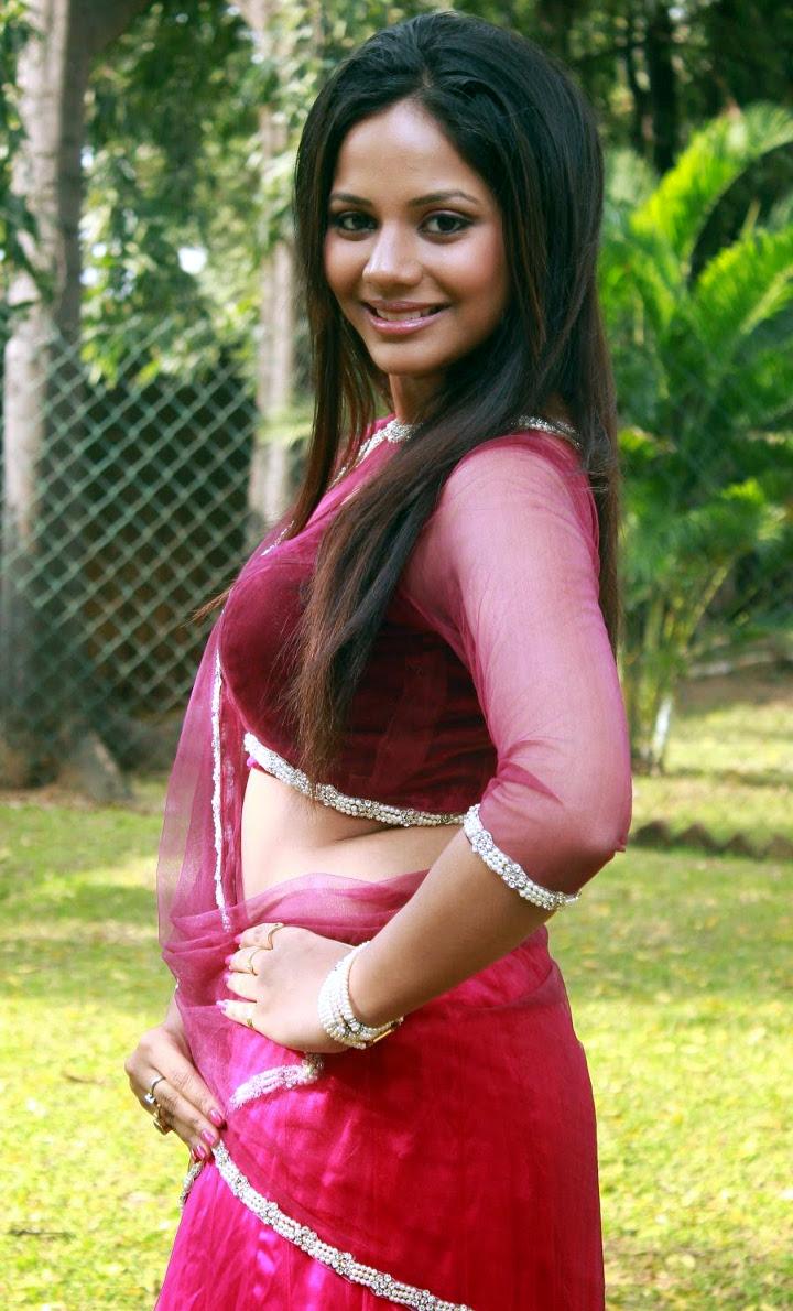 Aishwarya dutta tamil actress stills S1 13 hot photo