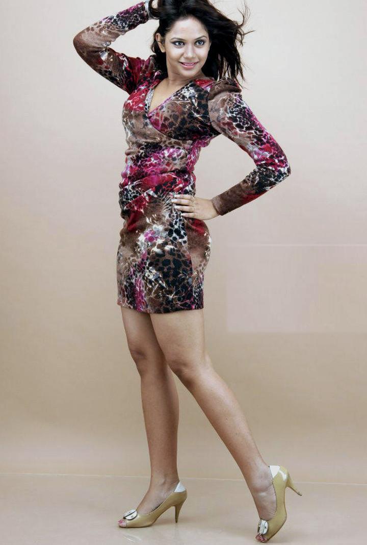 Aishwarya dutta tamil actress stills S1 4 hot photo