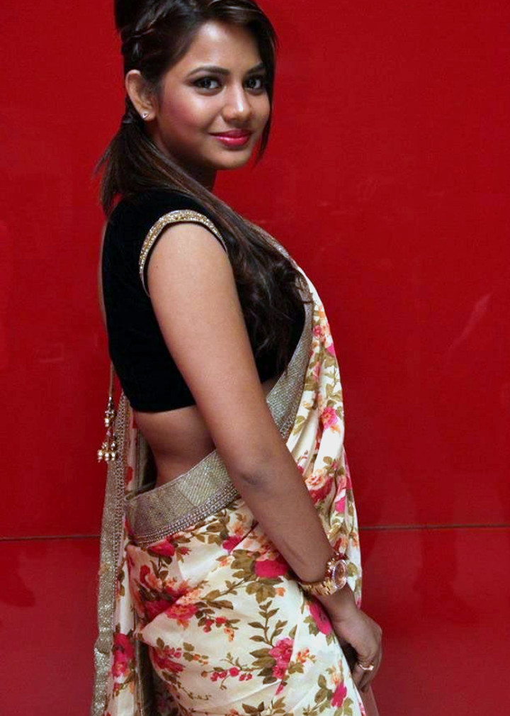 Aishwarya dutta tamil actress stills S1 9 hot sareephoto