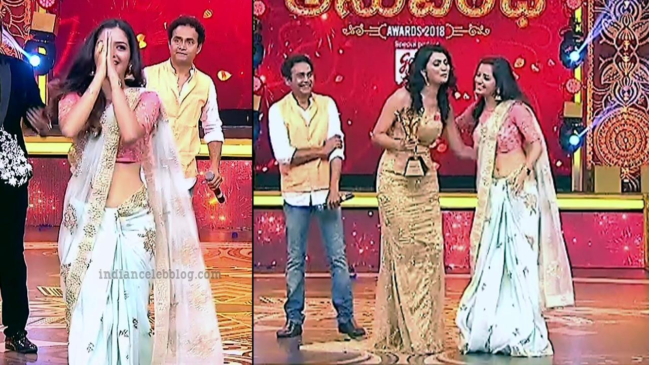 Ashika ranganath Kannada film actress EventsS1 2 Saree photo
