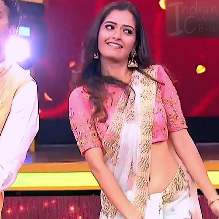 Ashika ranganath Kannada film actress EventsS1 3 Saree photo