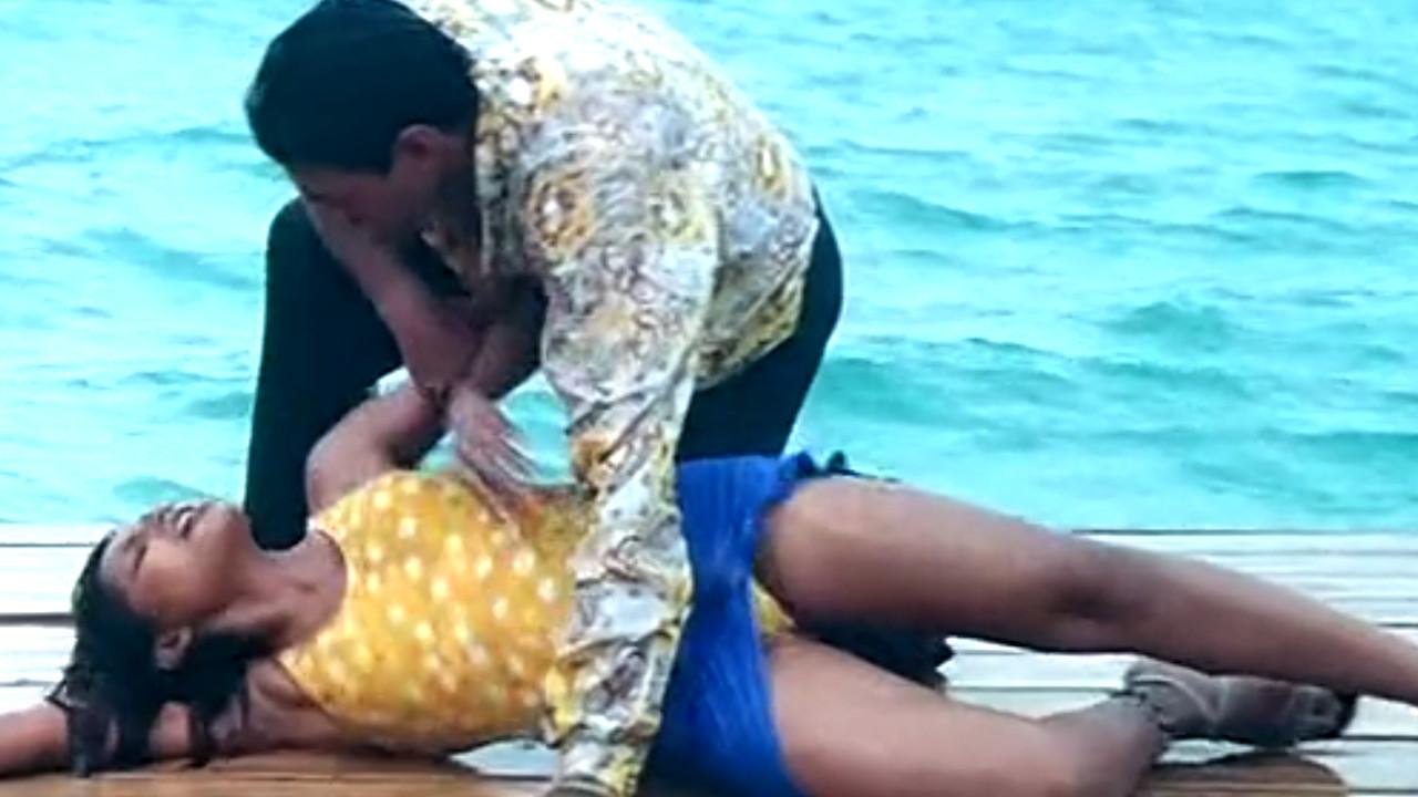 Bipasha basu hot swimsuit scene thumb