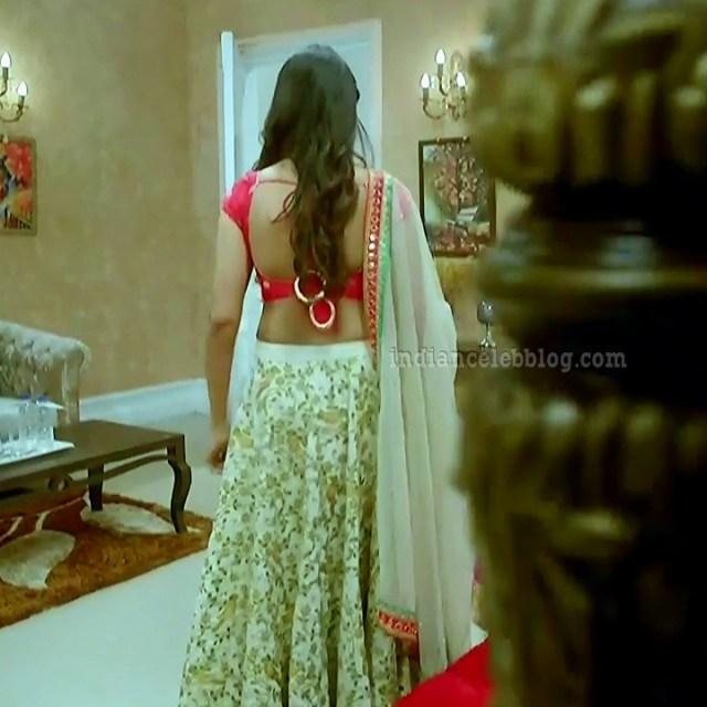 Charvi saraf hindi tv actress Naagin 3S1 8 hot lehenga photo